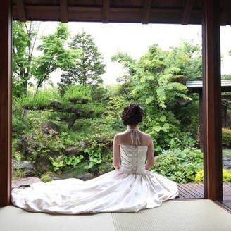 庭園付き和婚式場 謝辞の間でのバックショット!