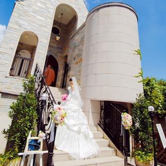 ドレスも美しく映える外階段での撮影