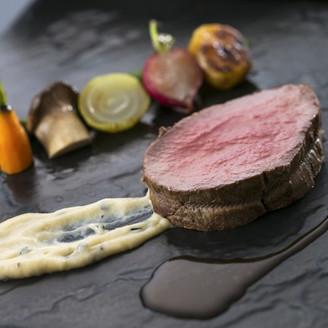 西洋料理は定番!と考える方も多いようです。メインの肉をライブキッチンで!そんなご要望にもお答えいたします。