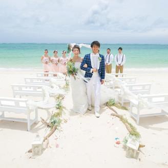 人気の沖縄北谷の素敵なビーチでリーズナブルに挙式