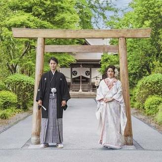 広大な日本庭園の敷地内に独立型の神殿あり本格挙式が叶う♪
