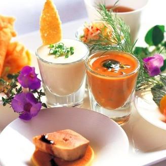 全国にグランメゾンを展開する【ひらまつ】グループのイタリアン。九州産の厳選食材にこだわり、旬を感じる珠玉の料理。おもてなしを重視する大人カップルに人気のレストランウエディング。