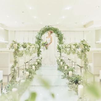 花嫁の姿をより引き立ててくれる純白のチャペル