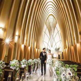 バージンロード17m、天井高15mの大聖堂で感動の挙式が叶います