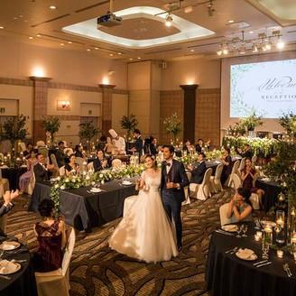 【BELLILE】CINEMA WEDDINGがテーマ。キャンドルの灯りでラグジュアリーな空間に。