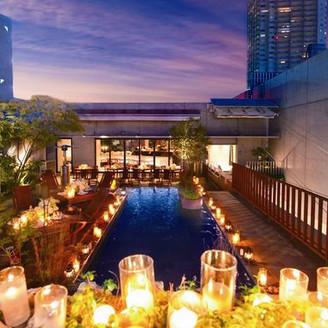 リゾート感あふれるテラスが人気のレストラン