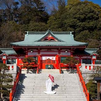 国の有形文化財である社殿では、ご縁がなお一層深い結婚式を執り行う事が出来ます。