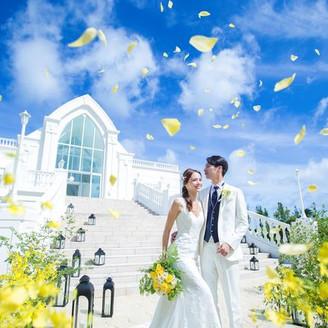 沖縄でリゾートウエディングなら「モントレ・ルメール教会」へ。