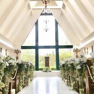 自然光が差し込むアットホームな雰囲気のチャペル。「徳島」で「結婚式」「挙式」を挙げるなら「ブライダルフォート」