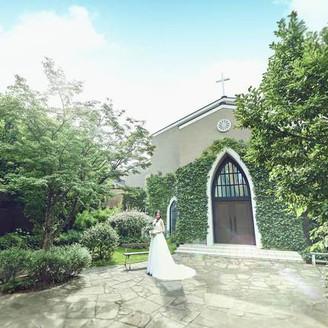 表参道駅より徒歩2分。隠れ家のように佇む本格的な独立型教会