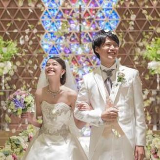祝福のフラワーシャワーがおふたりの幸せの瞬間をより一層盛り上げます♪