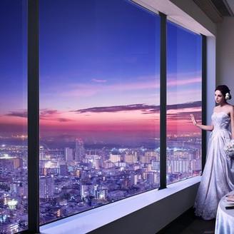 サンセットからトワイライトへ1000万ドルと称される神戸の夜景も贅沢な贈り物に