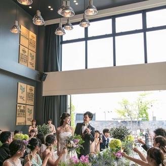 披露宴会場はニューヨークのブルックリンスタイルを基調としたスタイリッシュな空間☆!