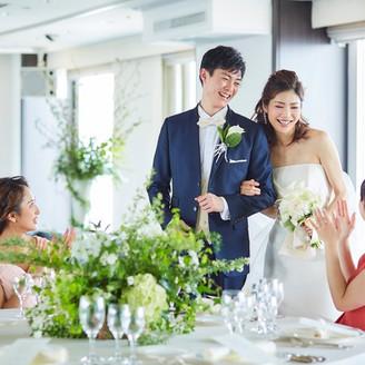【24階 白楊の間】 札幌の景色を一望できる会場でアットホームで温かいパーティーを