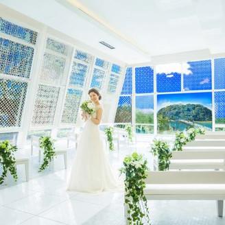 チャペル カレイド 縁結びの神様を祀った竹島を望み誓う二人の愛