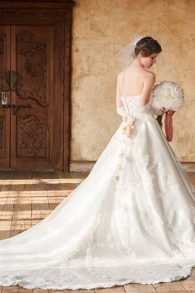 人気ランキング 第3位 WEDDING DRESS 012