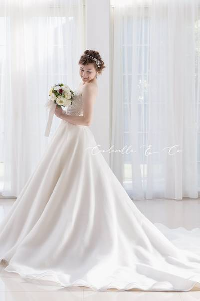 人気ランキング 第3位 【Cinderella & Co.】上品でシンプルなAラインウェディングドレスSS5291