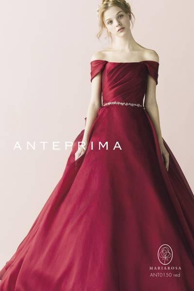 赤・レッド系のカラードレス byみんなのウェディング