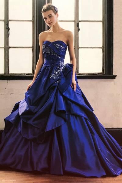 2枚目 HARTNELLロンドンのカラードレス