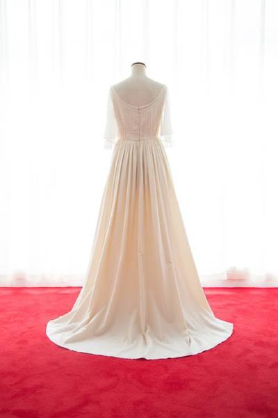 3枚目 オーガニックコットンフレアー袖のギャザードレス