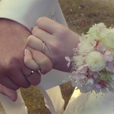 ロケーション ドレス 結婚指輪 ウェディングドレス 手元