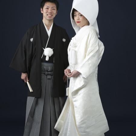 和装 スタジオ 白無垢 黒紋付袴