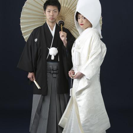 和装 白無垢 スタジオ 黒紋付袴