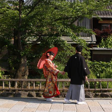 和装 前撮り 京都 ロケーション 色打掛け 紋付袴 番傘