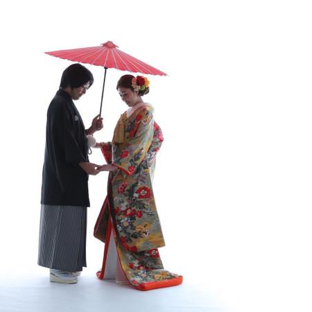 色打掛 黒紋付袴 スタジオ 番傘
