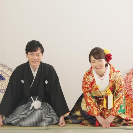 色打掛け 黒紋付袴 番傘