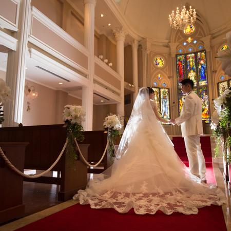 ウェディングドレス タキシード ステンドグラス 教会