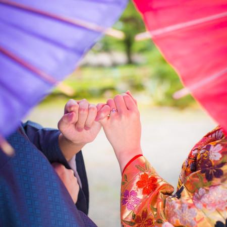 番傘 和装 庭園 色打掛