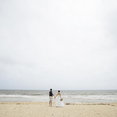 ウェディングドレス タキシード ロケーション 海