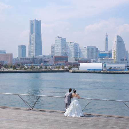 ロケーション ウェディングドレス 観光地 海 タキシード