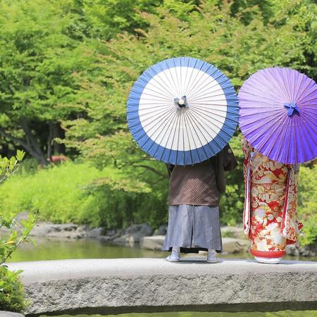 和装 ロケーション 色打掛 庭園 番傘