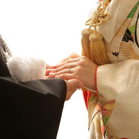 和装 スタジオ 色打掛 紋付袴 フォトウェディング#指輪 手繋ぎ#手元
