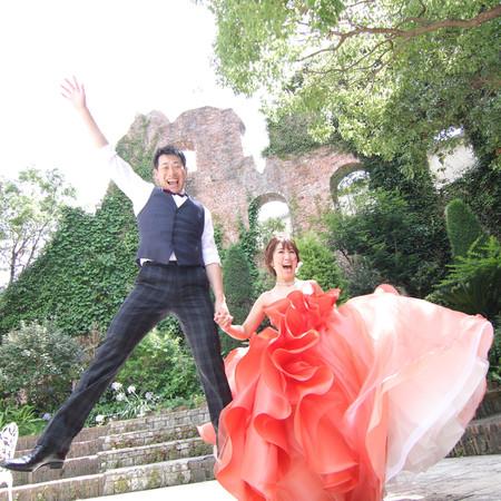 ドレス ロケーション カラードレス タキシード 庭園 ジャンプ