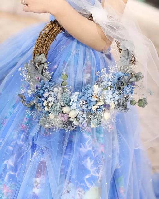 3c380785e54ab 爽やかな印象に♪ブルー系カラードレス×リースブーケ ...