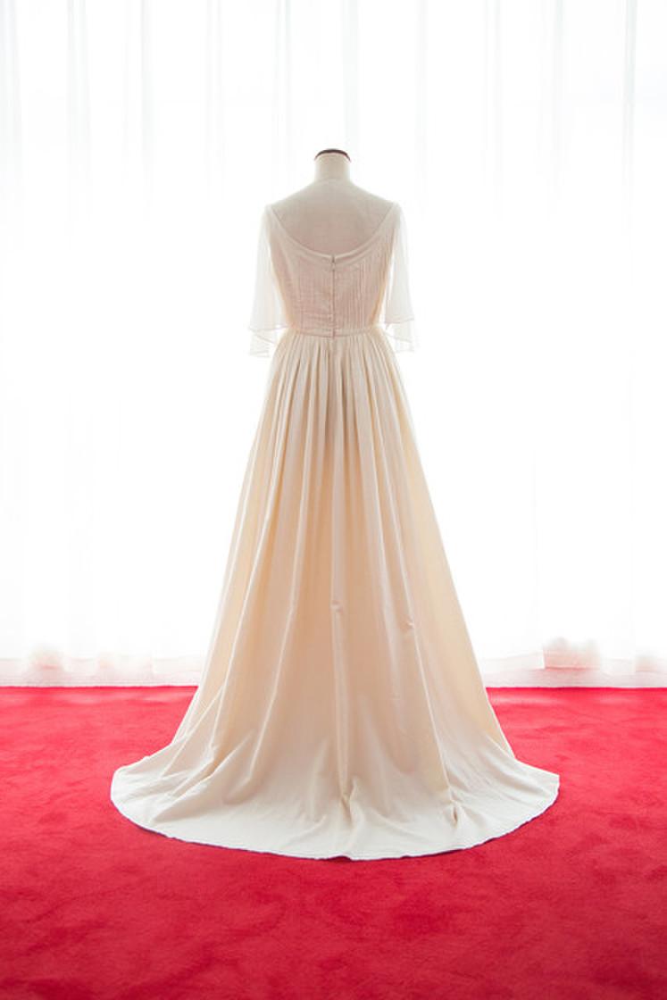 オーガニックコットンフレアー袖のギャザードレス 3枚目