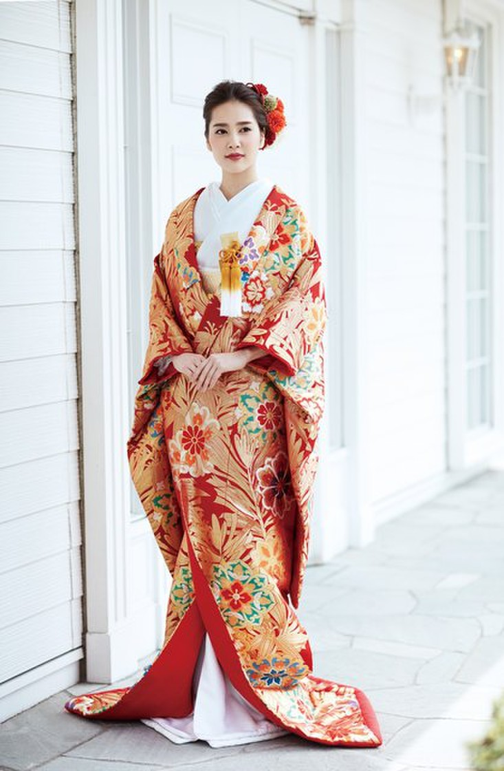 川島織物の赤地色打掛 1枚目