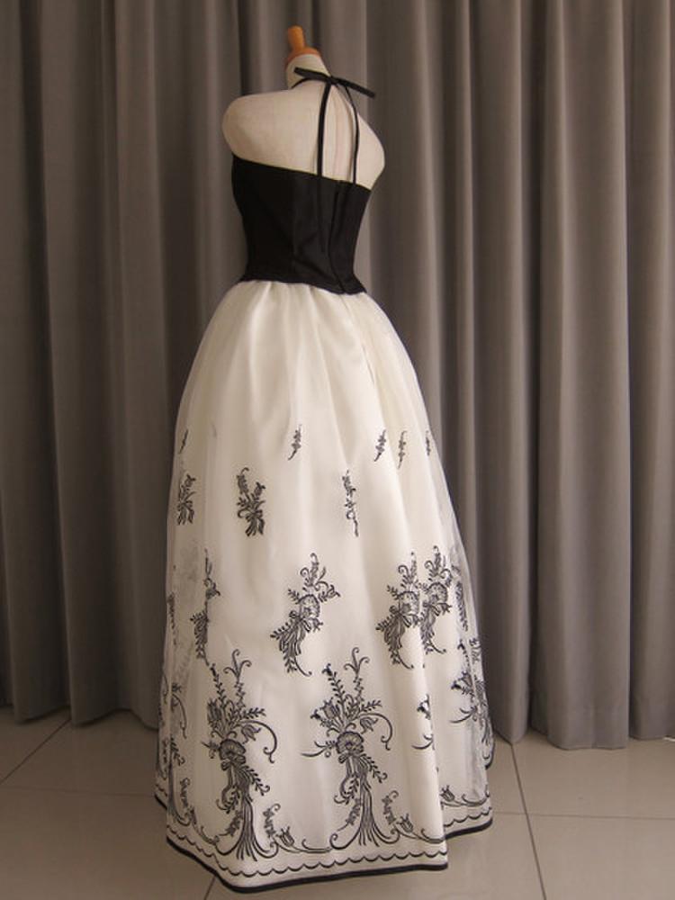 Black silk taffeta top&embroidery oeganza dress 2枚目