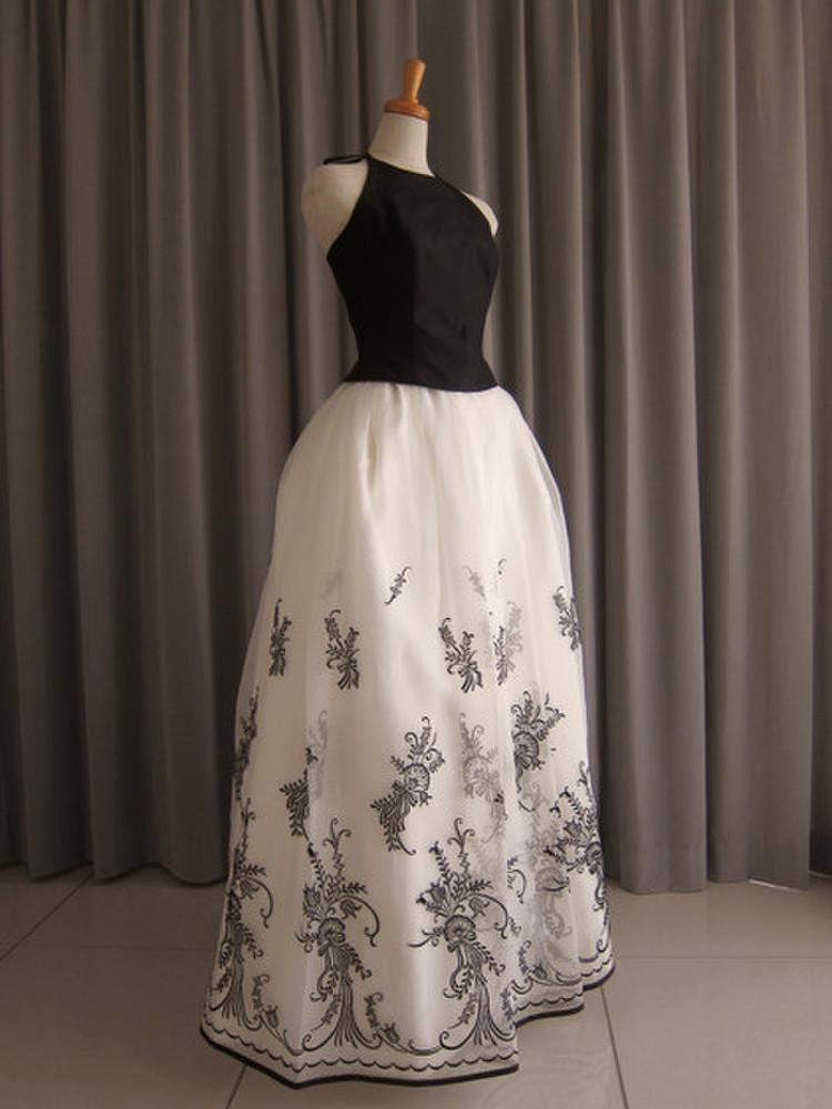 Black silk taffeta top&embroidery oeganza dress 1枚目