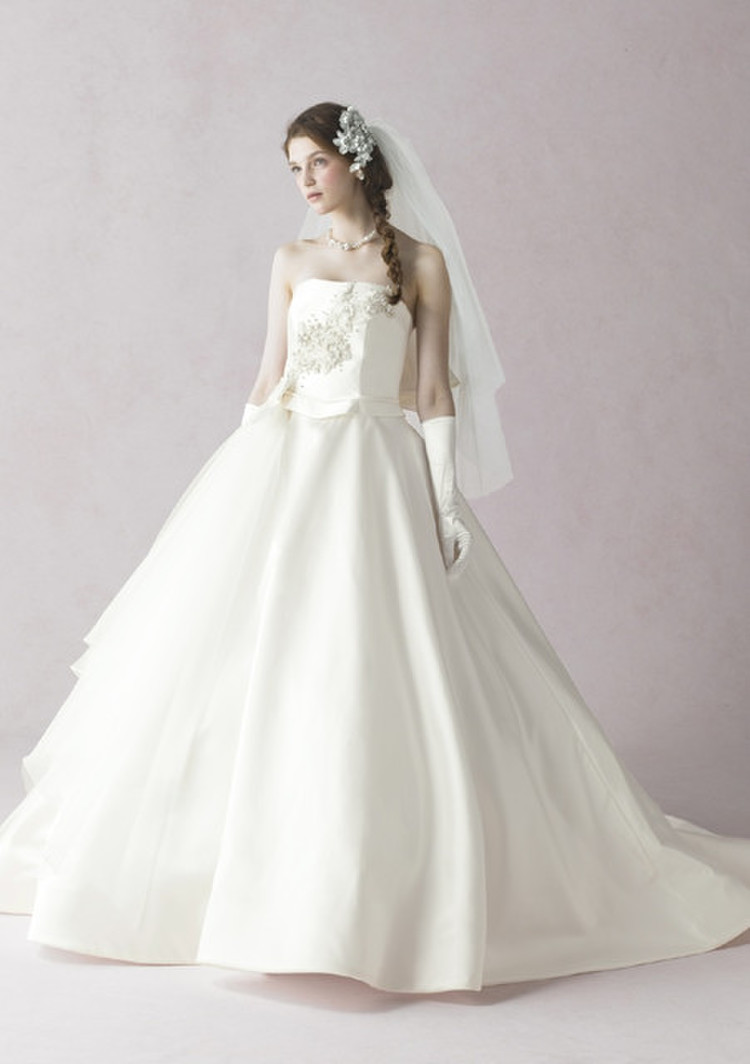 a7167a94cf6a4 リブラン ANTEPRIMA|BRIDAL COLLECTION OZのウェディングドレスby ...