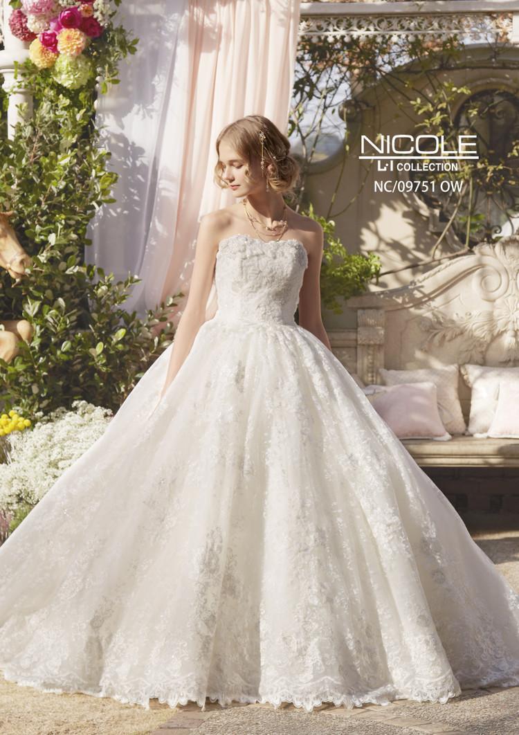 48b427c4982d2 NC 09751 OW NICOLE(ニコル)のウェディングドレス