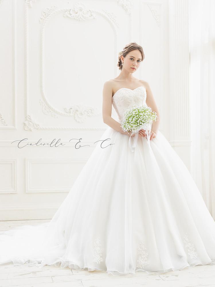【Cinderella & Co.】シンプルなふんわりウェディングドレスSS4592  1枚目