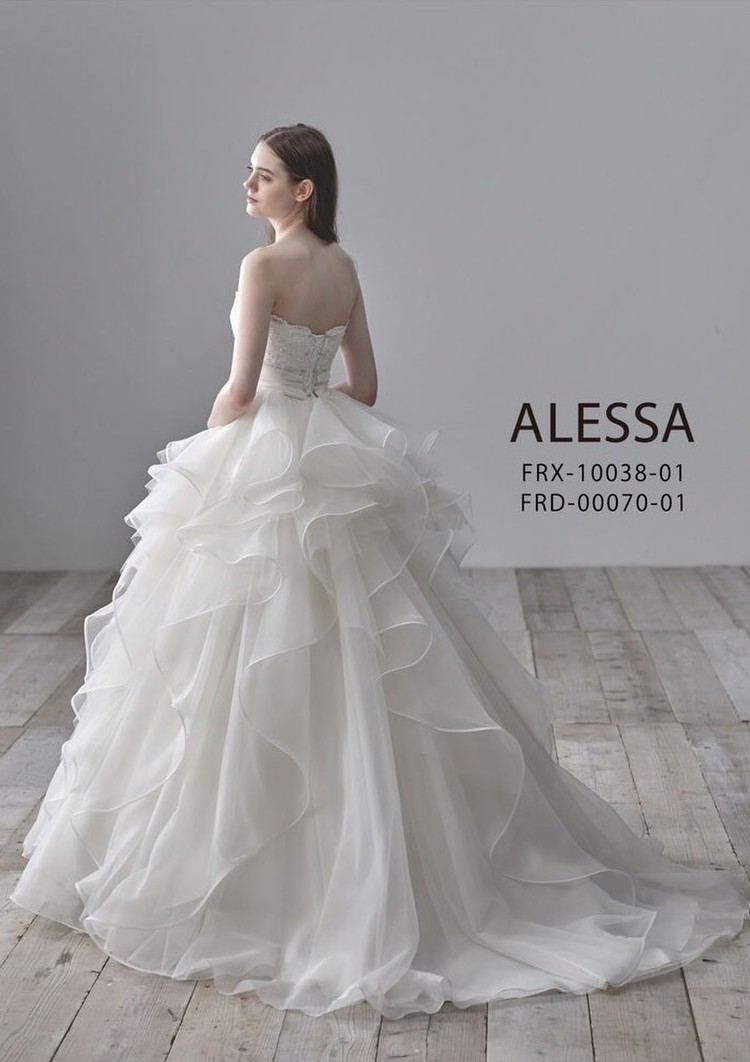 ALESSAのインポートウエディングドレス 2枚目