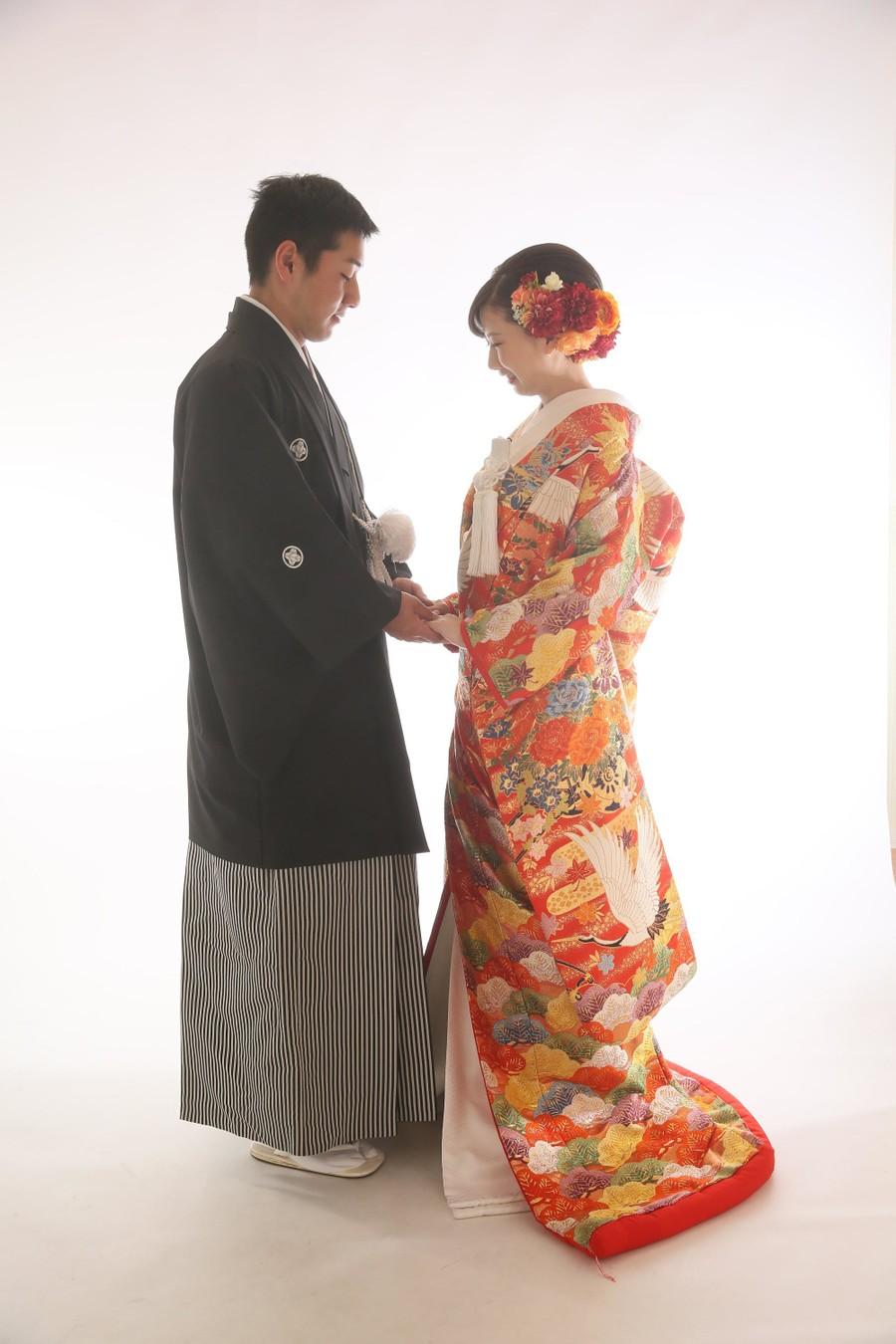 スタジオ 和装 紋付袴 ロケーション 海 色打掛 ドレス ウェディングドレス